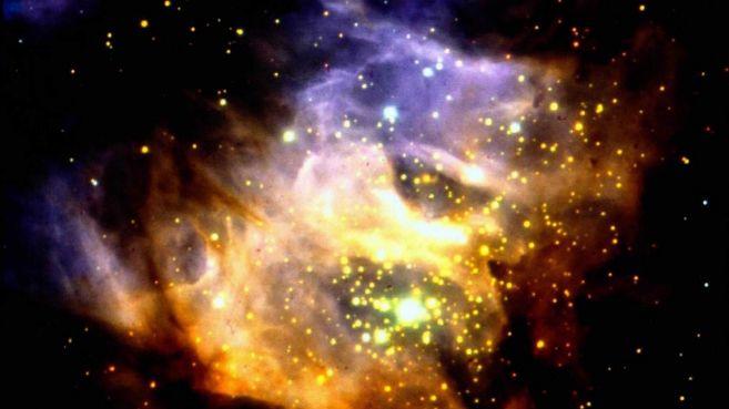 Imagen tomada por el telescopio ESO que muestran la región RCW38 de...