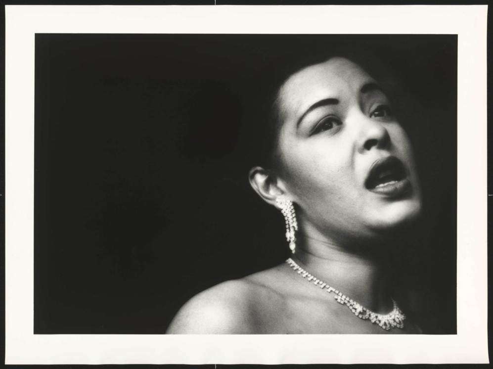 Billie Holiday, cantando en 1951.