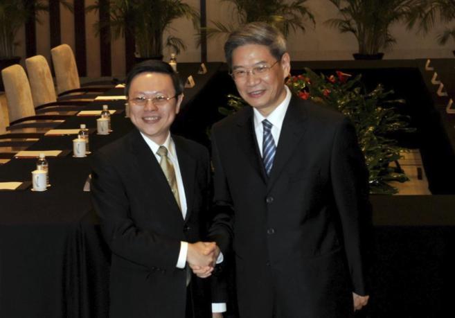 El primer representante de Taiwán que visita China, Wang Yu-Chi,...