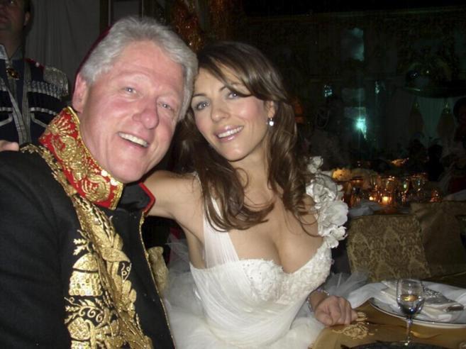 Una de las pocas imágenes del ex presidente de Estados Unidos Bill...