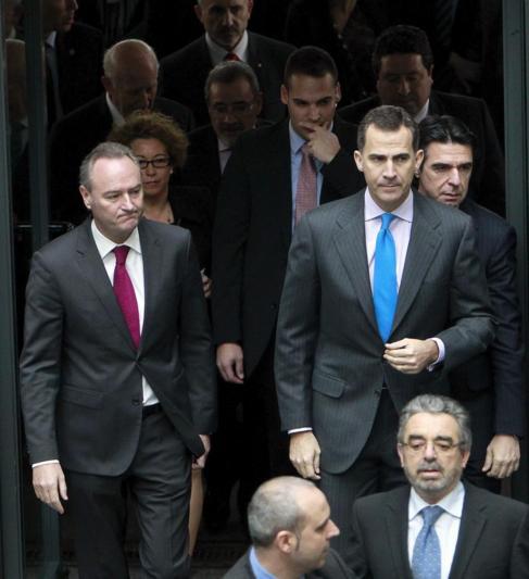 Alberto Fabra y el ministro Soria, junto al Príncipe en Feria...