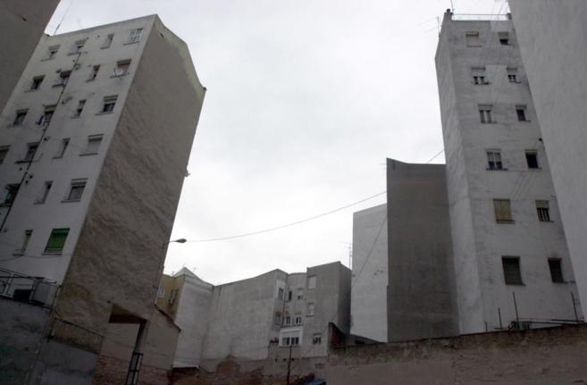 Edificios de viviendas en Pamplona, donde se paga el IBI más bajo de...