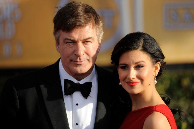 Hilaria Thomas posa junto a su marido, el actor Alec Baldwin.