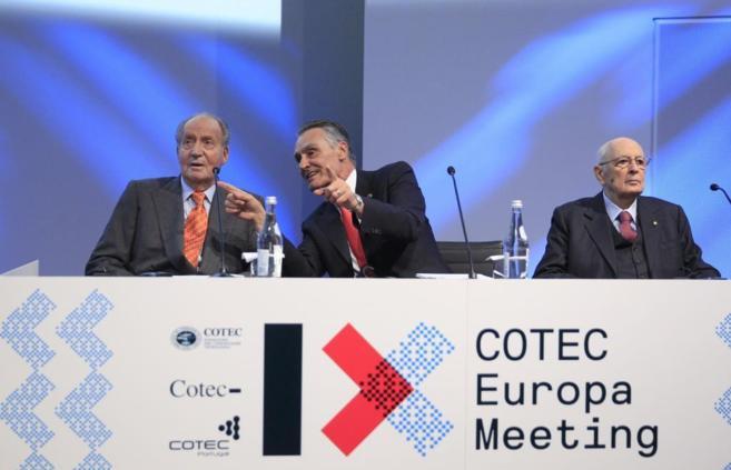 El Rey (d), Aníbal Cavaco Silva, presidente de Portugal y Giorgio...
