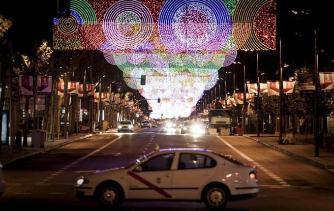 Luces de Navidad en la calle Serrano.