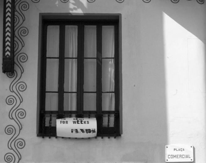 Anuncio en inglés de alquiler de un piso en Barcelona.