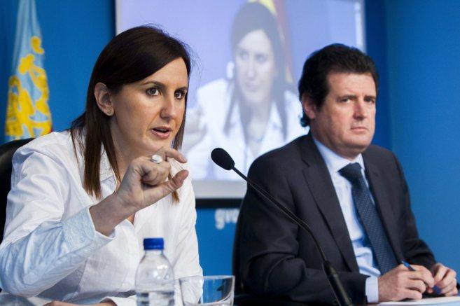 Maria José Catalá y José Císcar, durante la rueda de prensa tras...