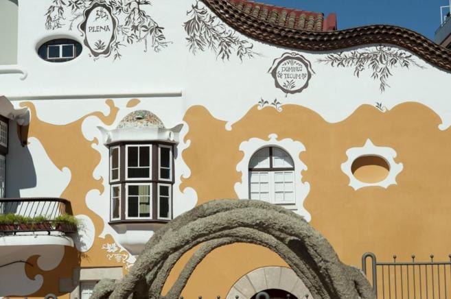 Detalle de la masia de Can Negre en Sant Joan Despí