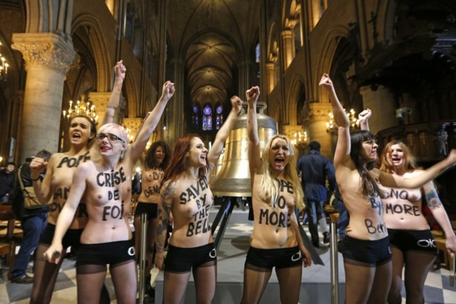 Alice estuvo entre las Femen del comando que se manifestó en febrero...