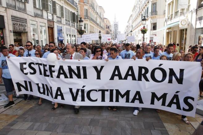 Manifestación en Málaga por el asesinato de una mujer y su hijo.
