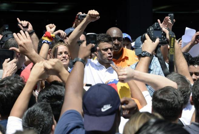 El dirigente del sector radical de la oposición, Leopoldo López,...