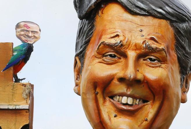 Un globo con la imagen de Matteo Renzi vuela en el carnaval de...