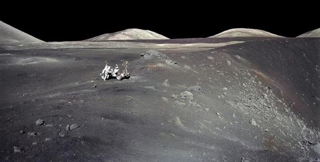 Eugene Cernan, el último hombre que pisó la Luna, en diciembre de...