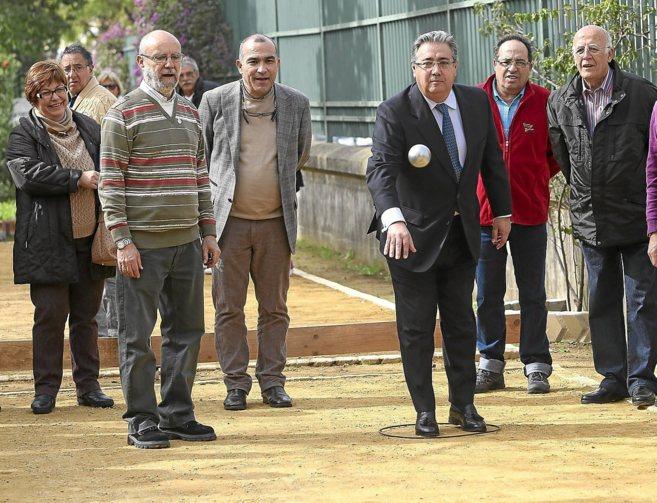 Juan Ignacio Zoido, este lunes, en la apertura de una pista de petanca...