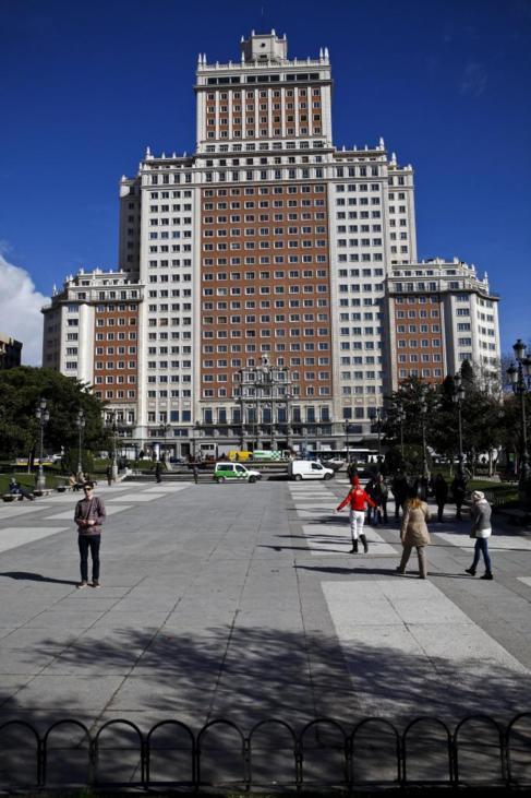 El Edificio España, vacío y cerrado desde 2006.