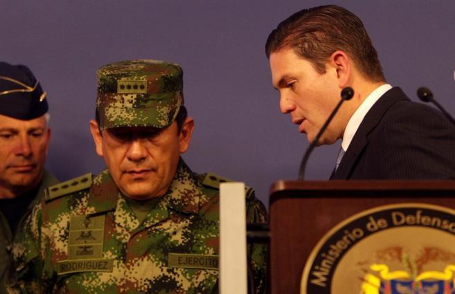 El ministro de defensa y Rodríguez Barragán, nuevo comandante de las...