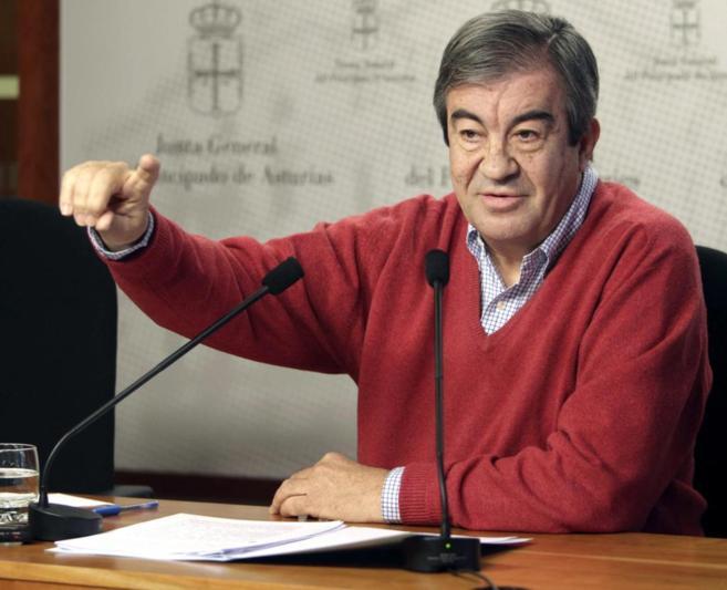 Francisco Álvarez-Cascos, este lunes durante una rueda de prensa en...