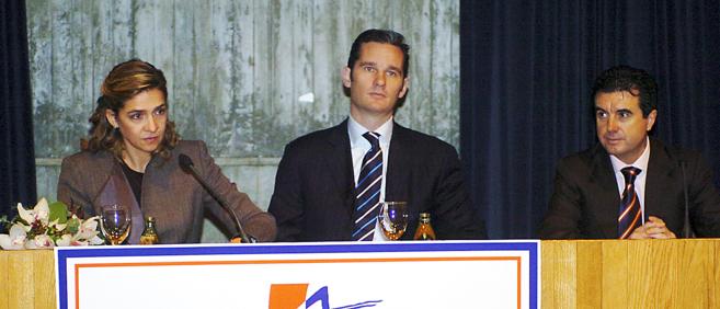 La Infanta Cristina, Iñaki Urdangarin y Jaume Matas, durante un acto...