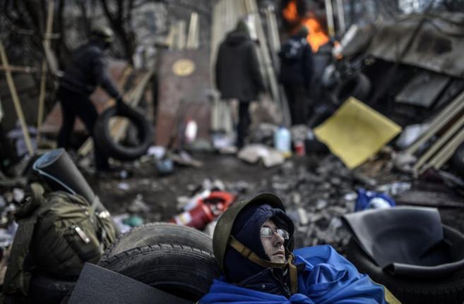 Opositores ucranianos en las barricadas de la Plaza de la...