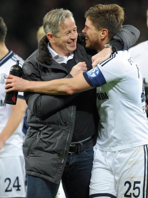 Keller y Huntelaar, tras la victoria ante el Leverkusen.