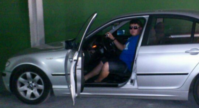 Franns Rilles Melgar Vargas cuando presumía de su BMW.