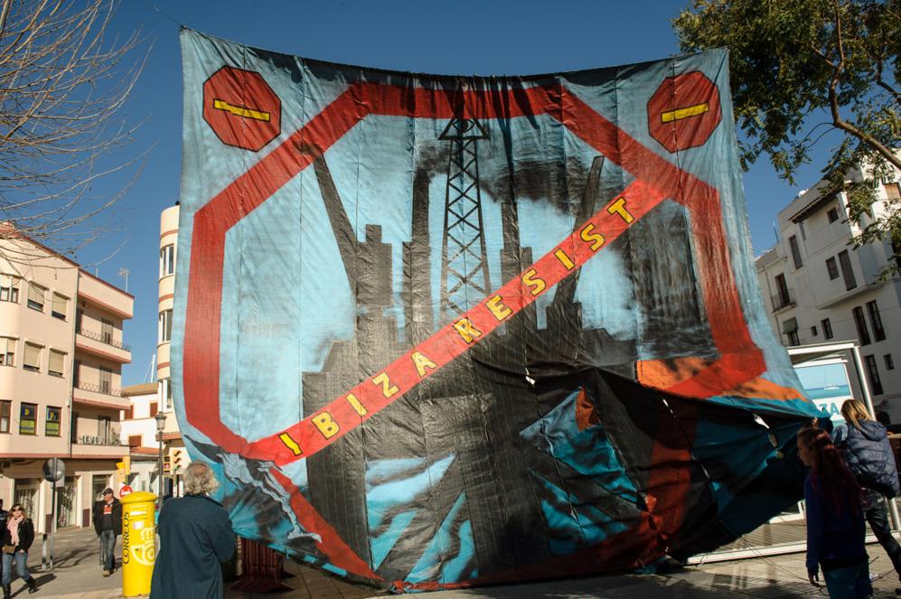 Multitudinaria manifestación en Ibiza.