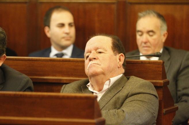 En el pleno de este martes se hace efectiva su salida como diputado en...