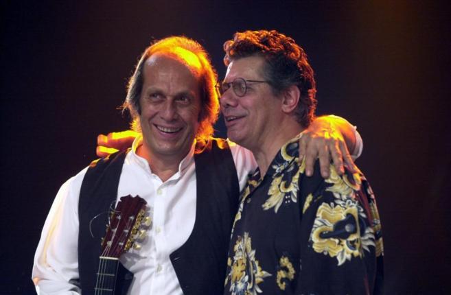 Paco de Lucía, con Chick Corea, en Vitoria, en 2001.