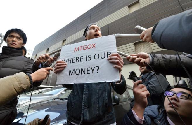 Protesta de un inversor en Tokio.