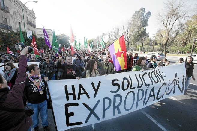 Manifestación de apoyo a los familias ocupas de la Corrala Utopía,...