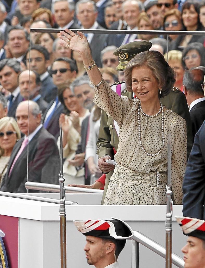 La Reina, en el día de las fuerzas armadas en Valladolid (2012)