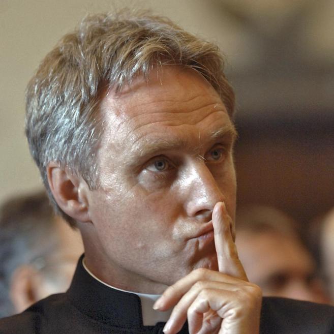 El cardenal austriaco Georg Gänswein, secretario personal del...