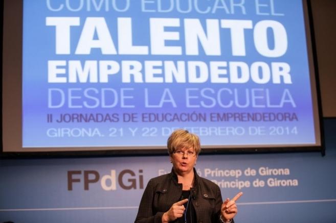 Imagen de una de las ponentes en las jornadas educativas.