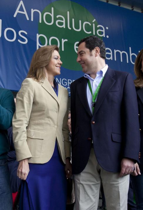 María Dolores de Cospedal y Juan Manuel Moreno.