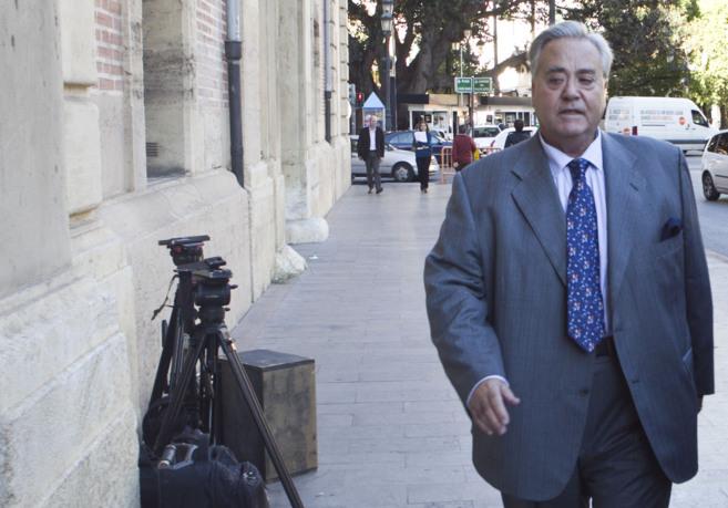 El ex alcalde de Alicante, acude a declarar al TSJ de Valencia.