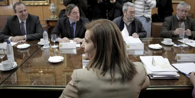La ministra de Empleo, Fátima Báñez, ante Terciado y Rosell, de la...