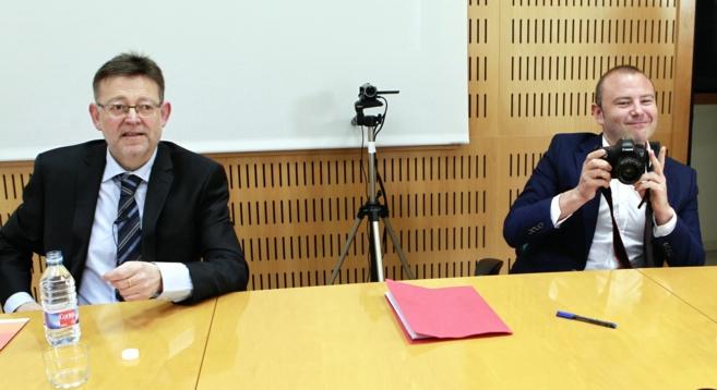 Ximo Puig y Toni Gaspar en el primer debate de las primarias de los...