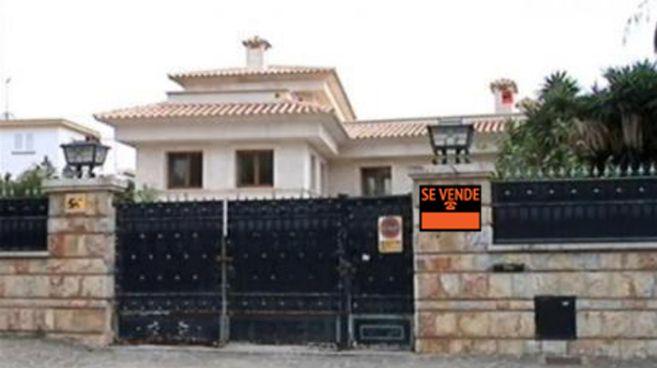 Fachada del antiguo chalé de  Díaz Ferrán en Calviá (Mallorca) con...