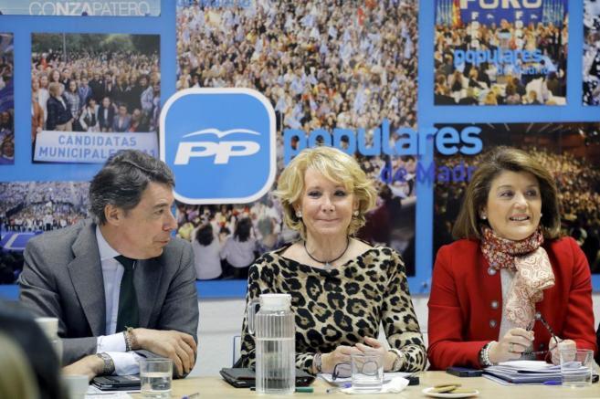 Ignacio González, Esperanza Aguirre y Gador Ongilla, ayer en la...