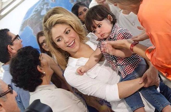 La cantante Shakira, en su reciente visita a Colombia. Se llevó al...