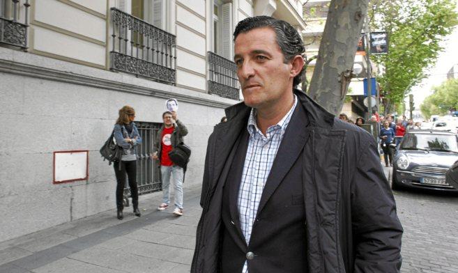El ex director general de RTVV, Pedro García, camino de la Audiencia...