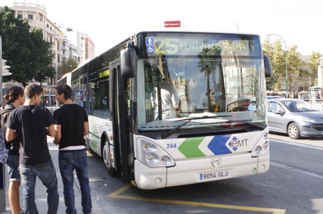 Autobús de la EMT en el centro de Palma.