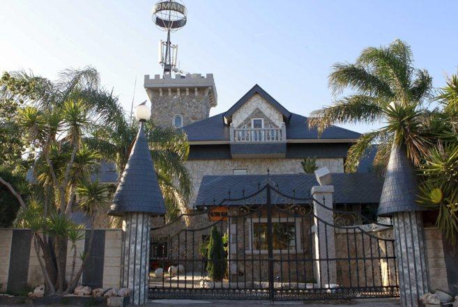 Instalaciones cerradas del complejo El  Romaní, uno de los mayores...