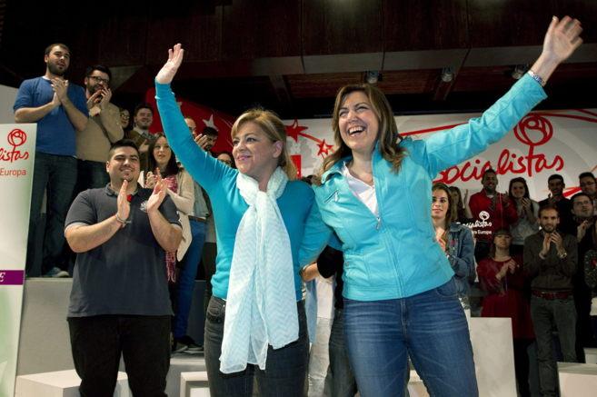 Elena Valenciano y Susana Díaz, este domingo en Málaga.