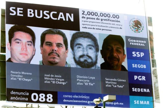 Un cartel de 2010 indica la recompensa por la captura de Nazario...