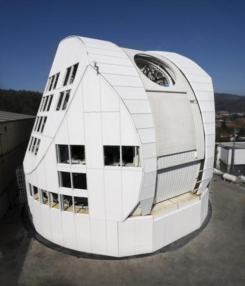 El domo, durante el montaje de prueba en Vizcaya.