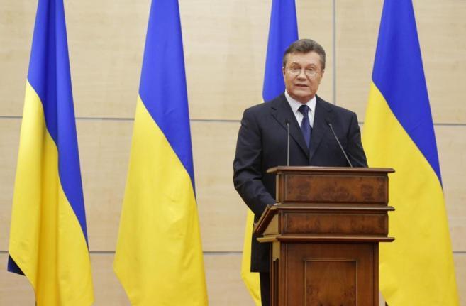 El depuesto presidente ucraniano, Viktor Yanukovich, durante la rueda...