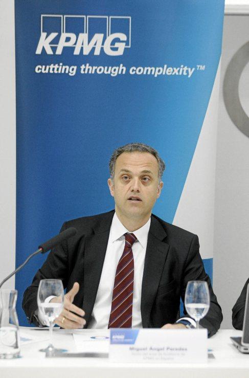 Miguel Ángel Paredes, de KPMG, en la presentación de este estudio en...