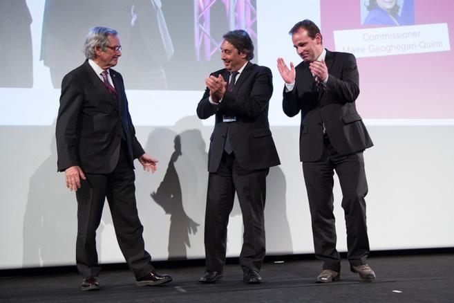 Los alcaldes de Grenoble y Groninga aplauden a Xavier Trias.