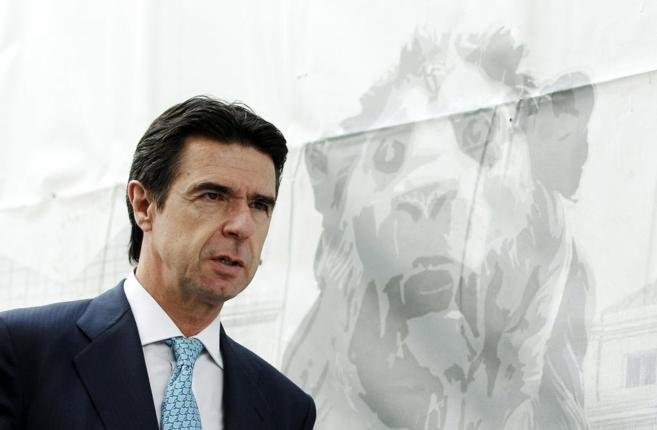 El ministro de Industria, José Manuel Soria, calificó de...